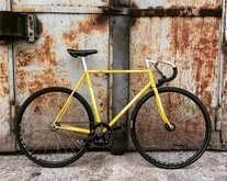 NJS Presto Yellow Flake