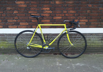 Pinarello Fluo Yellow photo