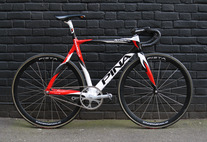 Pinarello Xtrack Sprint photo