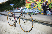 Track pursuit Handmade in France photo