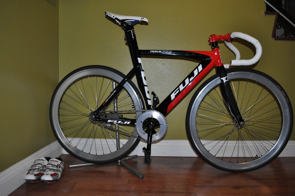 2009 Fuji Track Pro Pedal Room
