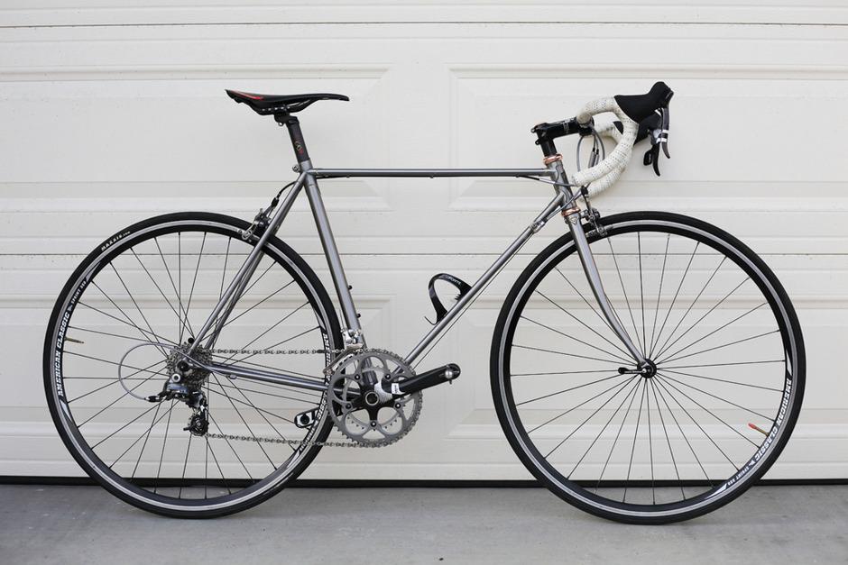 17teeh Vintage Road Bike Pedal Room