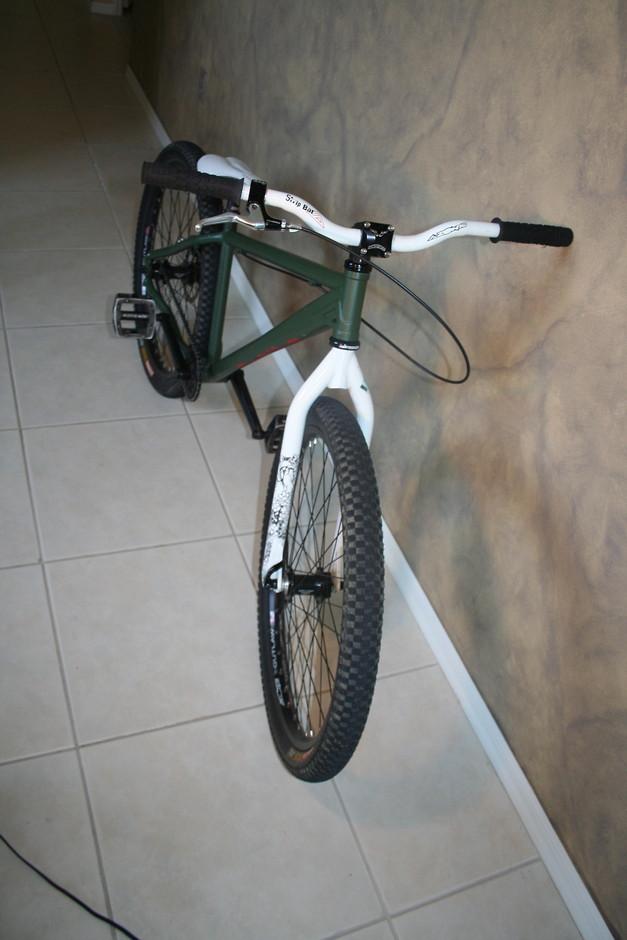 Azonic Steelhead Pedal Room