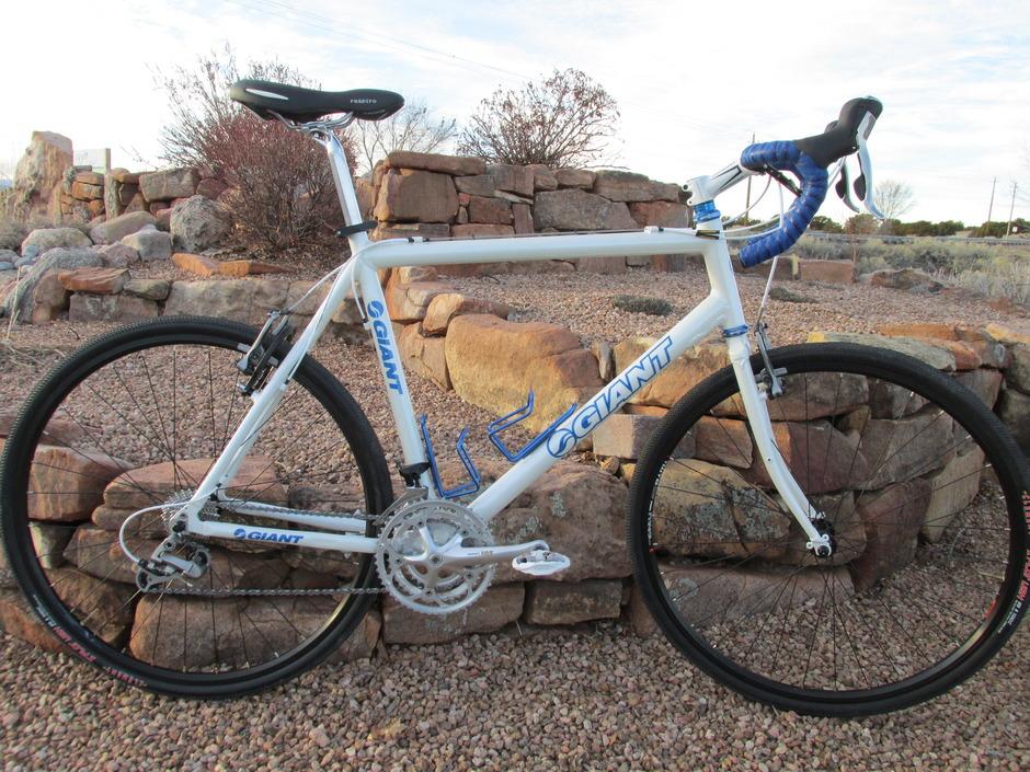 A Surly Giant Custom Gravel Bike Pedal Room