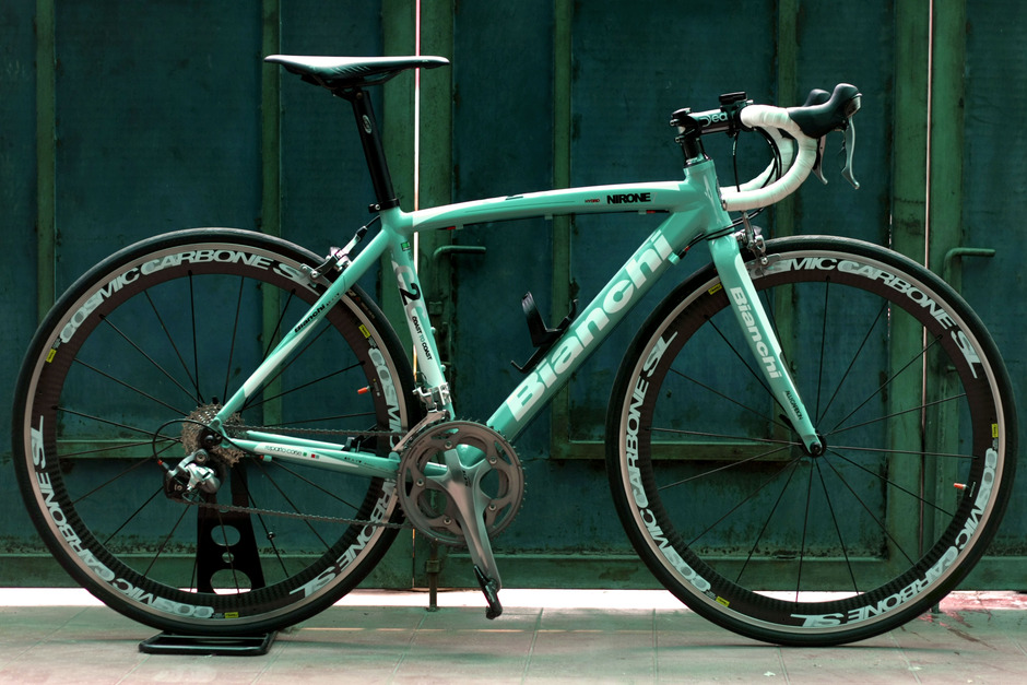 bianchi should be celeste pedal room