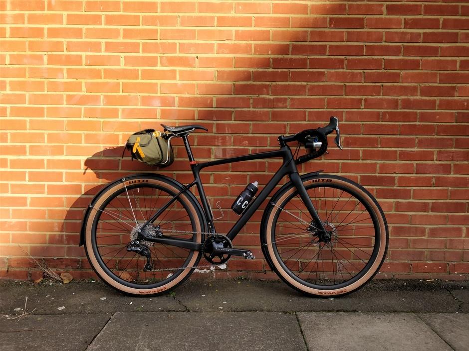 Carbonda Gravel Bike 1x11 Di2 Pedal Room