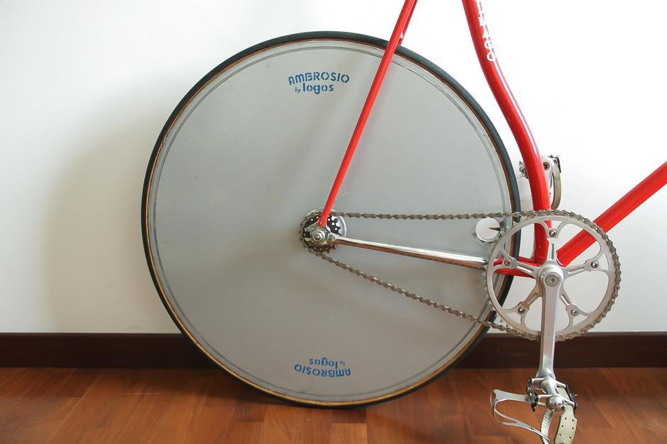 https://www.pedalroom.com/p/colnago-super-pursuit-33073_3.jpg