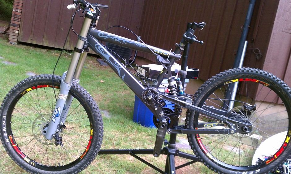 Gt It1 Dhr Fox 40 Mtx Pedal Room