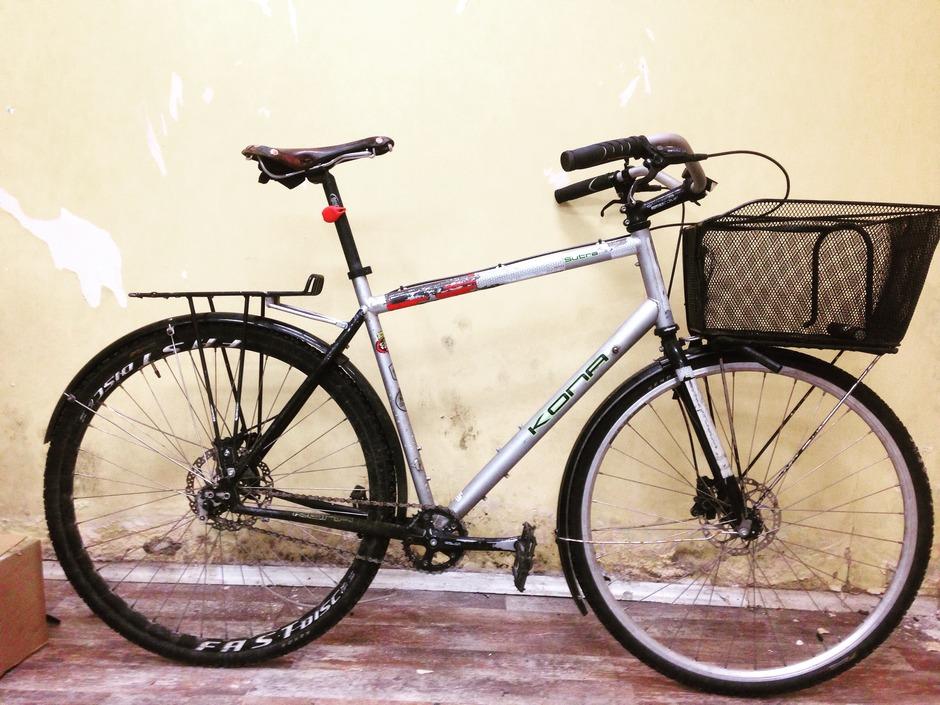 Kona Sutra Commuter Do It All Bike Pedal Room