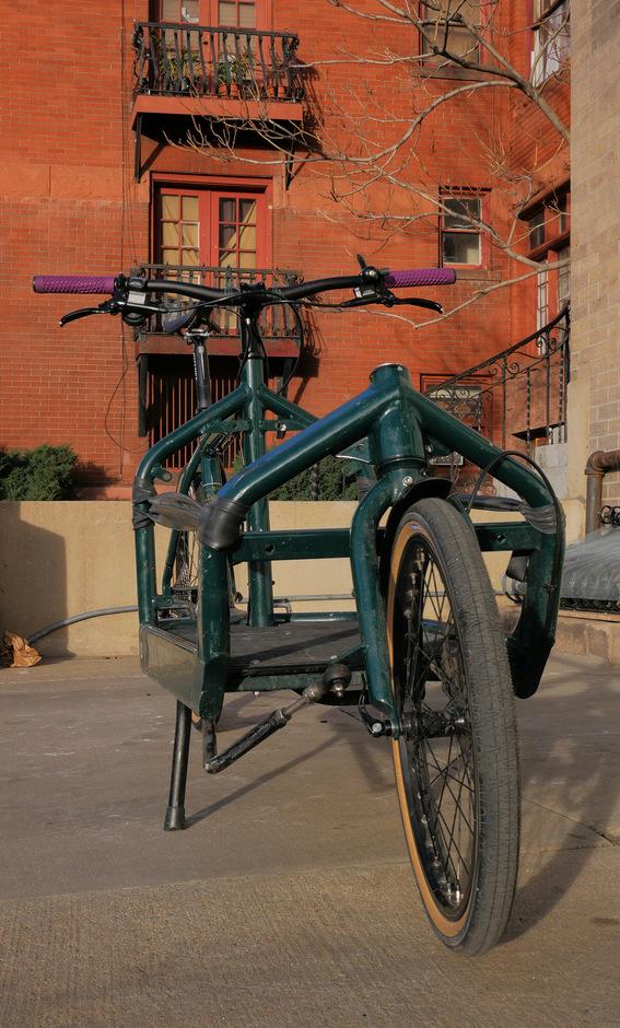 Larry Vs Harry Bullitt Cargo Bike Pedal Room