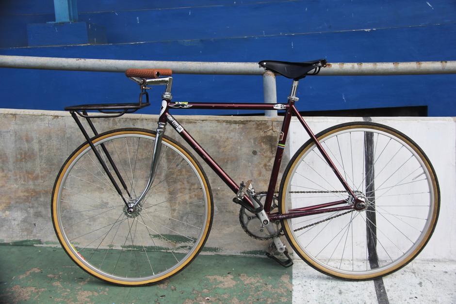 Maroon Townie Porteur Bike Pedal Room