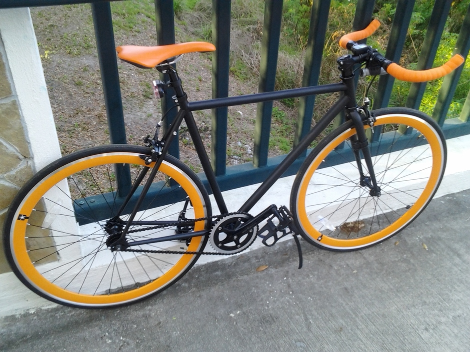 Matte Black Visp Bike Pedal Room