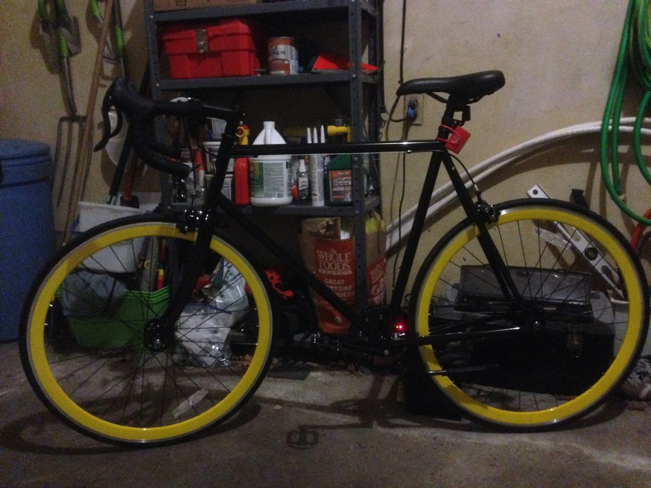Motobecane Fixie Track Cf Pedal Room