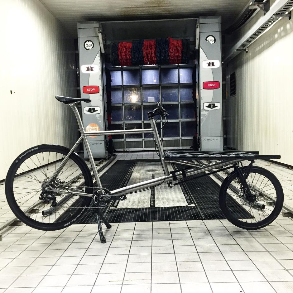 Omnium Cargo Titanium Pedal Room