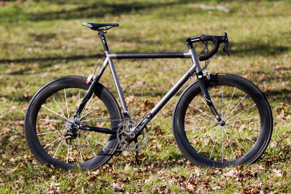 Van Tuyl Carbon Titanium - Pedal Room
